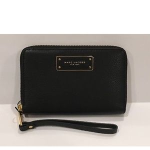 Marc Jacobs 100% leather Wristlet